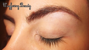 Highlight your brow bone & inner corner using Aura. I chose the pink side of this dual-pan.