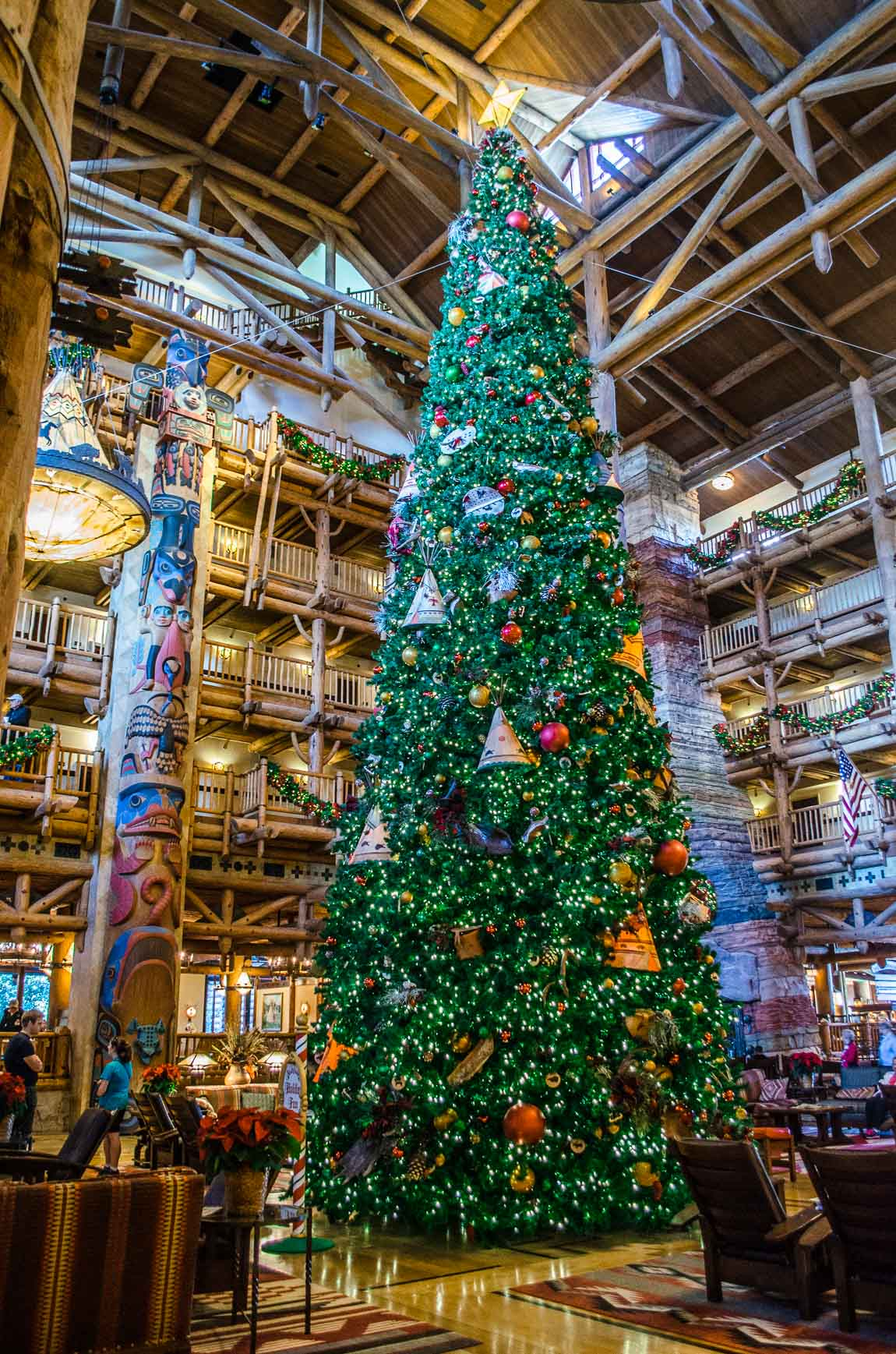 The Best Christmas Trees at Walt Disney World 2014   Disneyways